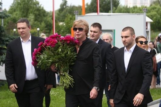 Андрей Григорьев-Аполлонов продемонстрировал, как жил покойный Олег Яковлев